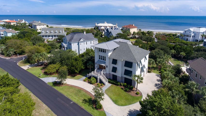 Spectacular Beachfront Home With All the Amenities You Need For a Perfect Vacation  Lehman