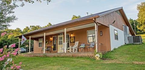Hill Song Cottage, nestled in the Arkansas Ozarks