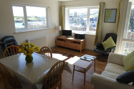 Sunny Salcombe Holiday Apartment - Salcombe - Apartamento