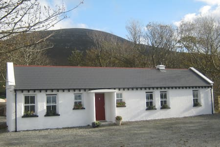 Mia's Self Catering Cottage, Clonmany - Clonmany
