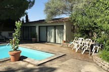 Studio indépendant avec 2 terrasses et piscine