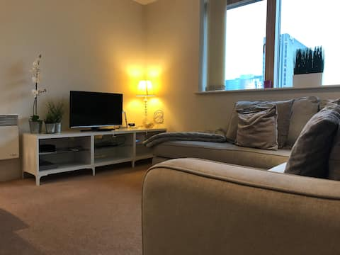 Stunning Canal Side 2 bed