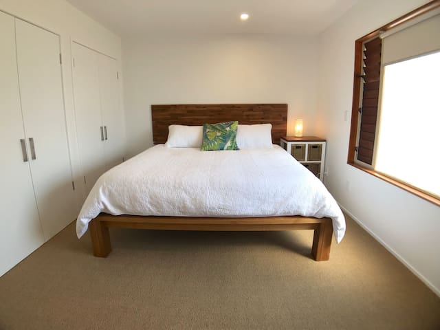One Bedroom Apartment & Private Garden