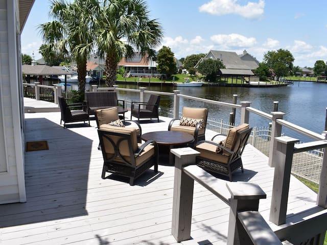 New Orleans Area Waterfront Home - SEA LA VIE