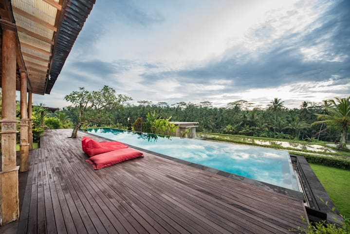 A private piece of Ubud paradise w/dream pool!