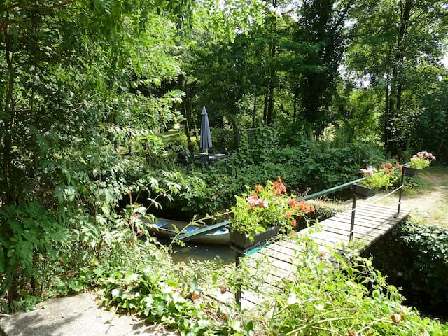 Riverside property near Argenton sur Creuse(36)