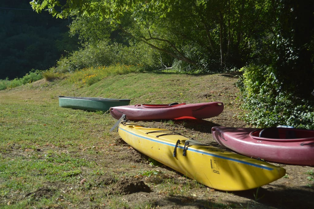 Kayaks and canoe free to use