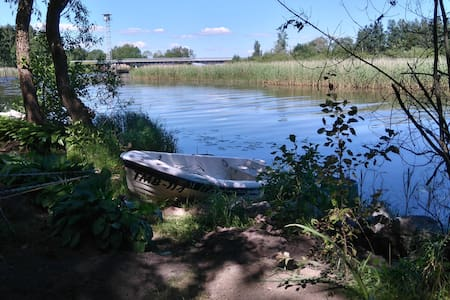 Jõe ääres asuv mõnus hubane suvila