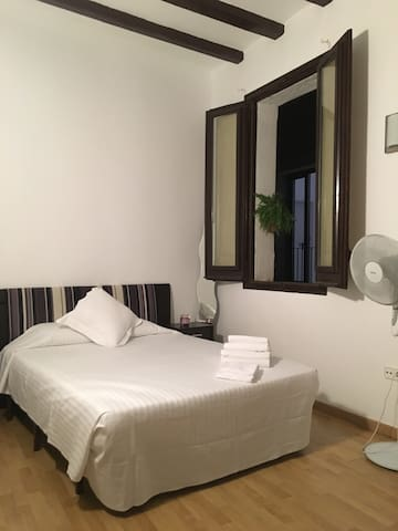 Room with private bathroom - Barcelone - Appartement