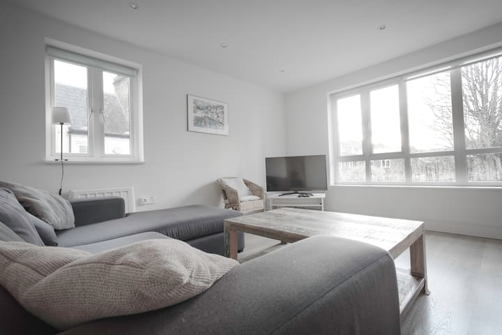 ★ Bright & Spacious 1Bed Apt. in the Heart of Peckham ★