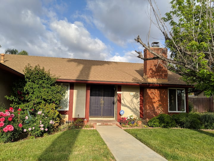 Your own room in a charming 3BR house in Redlands