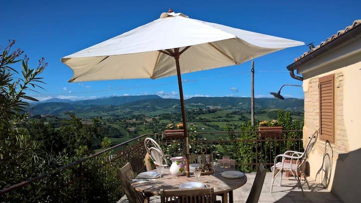 Pesaro Urbino: House in the hills