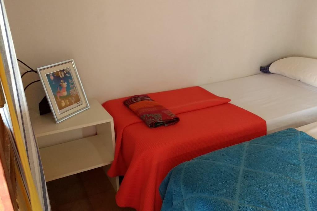 Suite con 2 sommier y baño privado en el primer piso