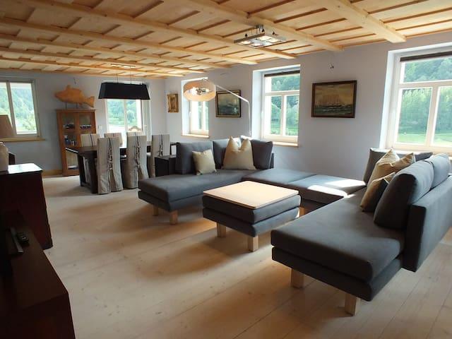 Premium-Öko -Apartment mit Café und Elbblick - Bad Schandau - Lejlighed