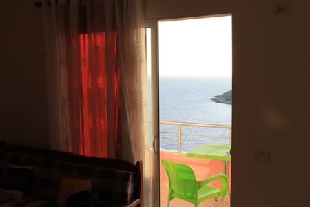 Appartement à deux pas de la mer