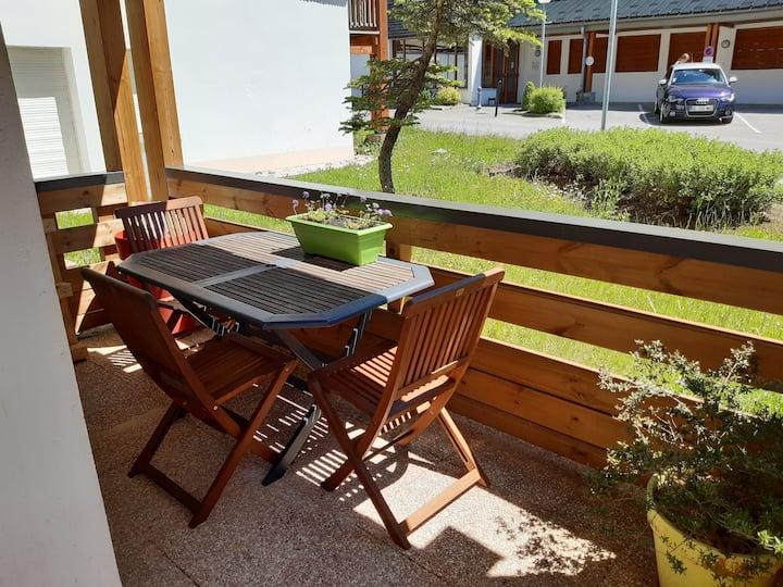 Appartement avec terrasse au centre des Rousses