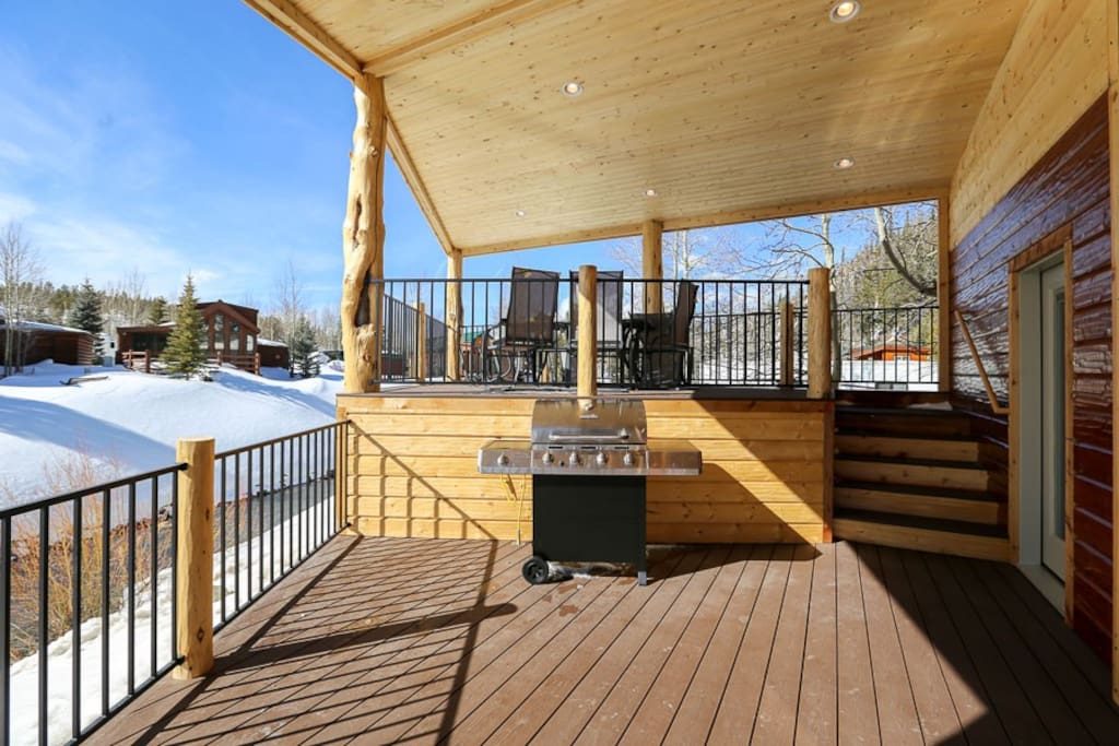 2 decks for plenty of bbq's and relaxing.  Upper deck is connected to master bedroom