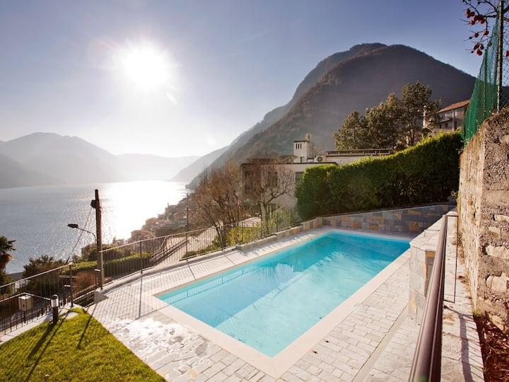 Argegno Pool Apartment sleeps 4