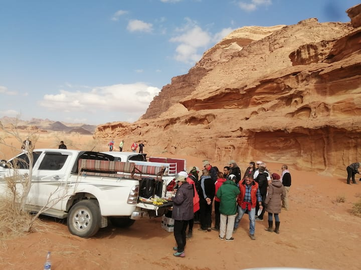 Wadirum red desert camp