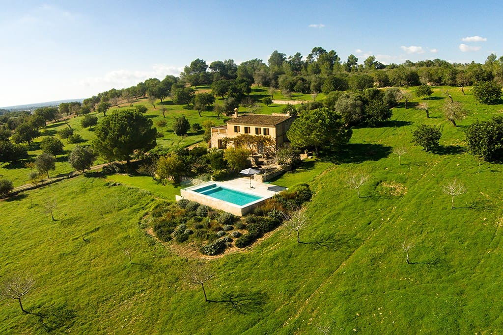 Mediterranean country side house houses for rent in for Mediterranean country house
