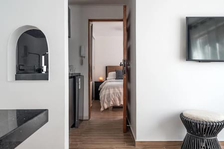Carlos Antunez Apartment