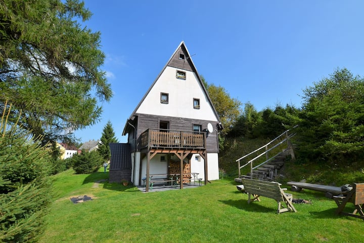 Detached house with garden and terrace., 1km of ski lift