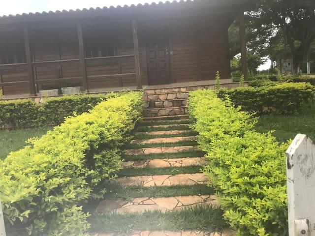 Casa-Chalé Recanto das Orquídeas-Furnas 1