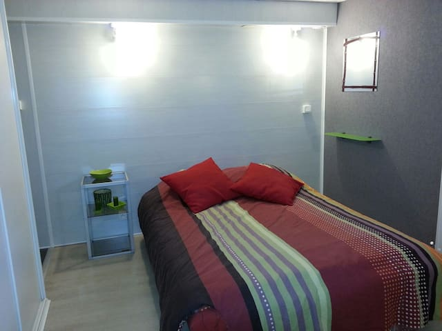 Chambre dans maison, avec salle d'eau privée - Moreuil