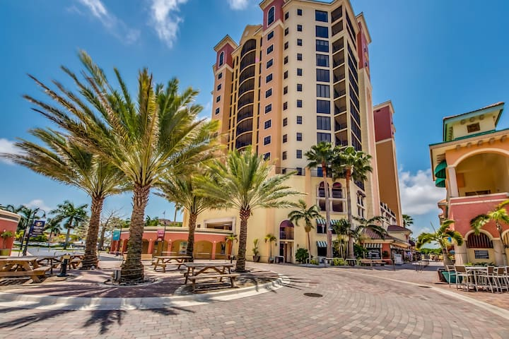 Roelens Vacations - Penthouse at Cape Harbour - Cape Coral