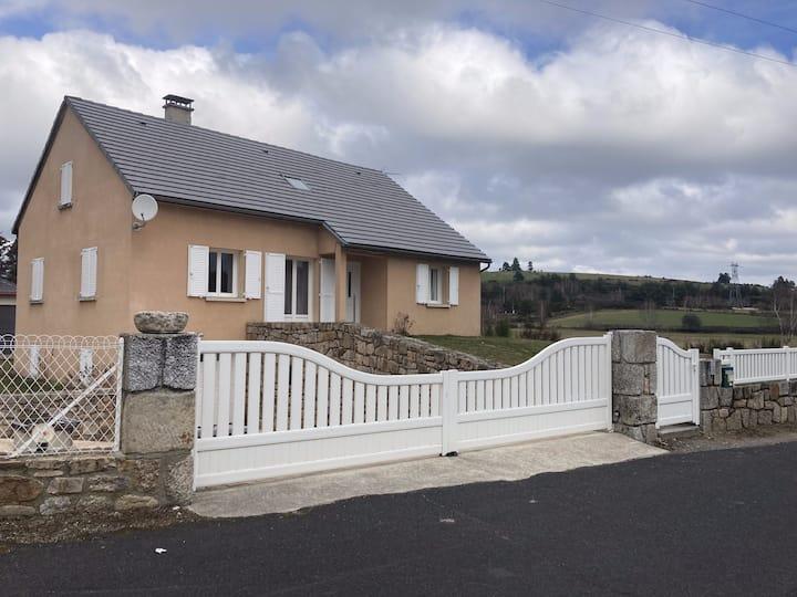Maison spacieuse dans un village calme