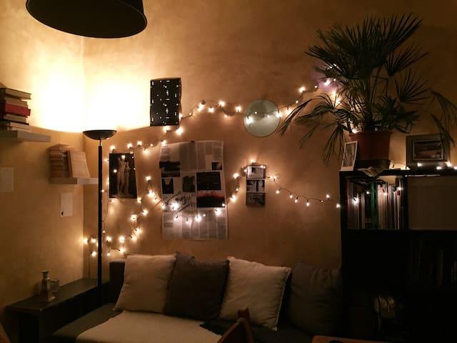 Studio avec mezzanine cosy au dessus des pentes
