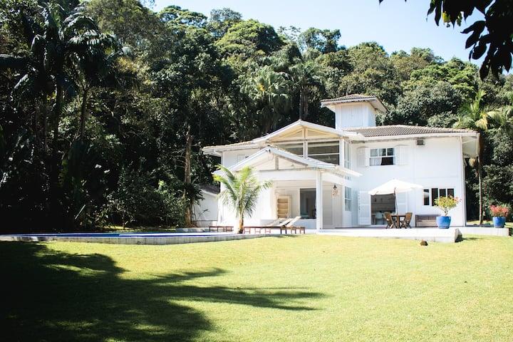 Villa Charmosa com acesso direito na Praia