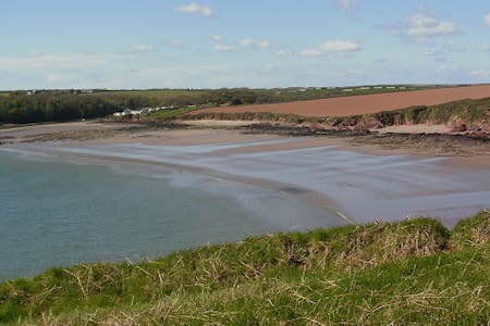 Entire home 5 mins from beach Pembrokeshire - Milford Haven - Дом