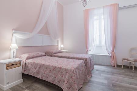 Le Villanelle b&b - Matrimoniale/due letti singoli - Neapel
