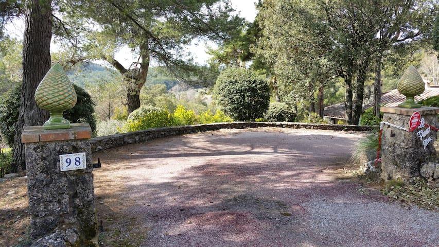 une escapade en provence - Tourtour - House