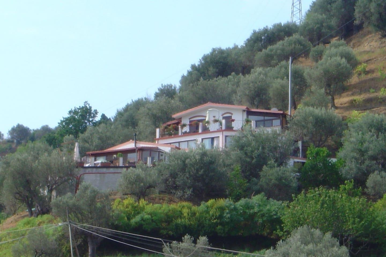 Vista d'insieme - Villa con i 4 appartamenti