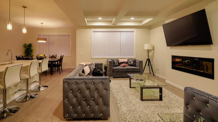 SPACIOUS NEW EXECUTIVE LUXURY HOME AT THE ORCHARDS