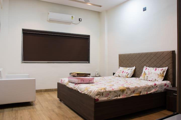 Single Room(No.2) In Sankalp Resort