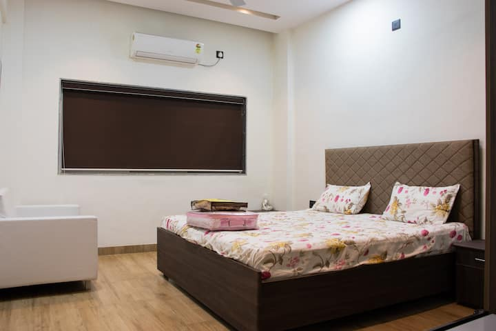 Single Room (No.4) in Sankalp Resort