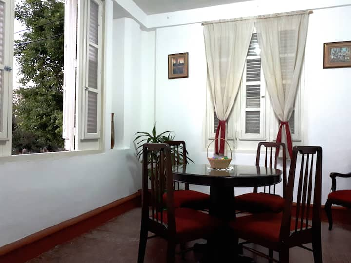 Casa Bouza - Independent apartment in Vedado!