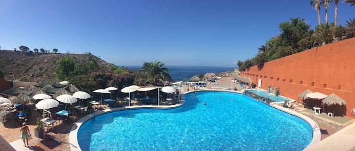 Tenerife: appartement vue mer avec piscines