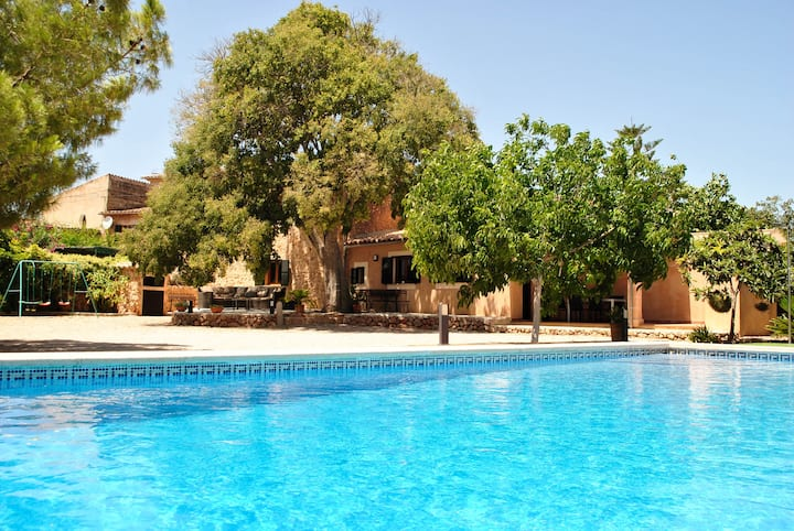 """Beautiful Holiday Home """"7Xemeneies"""" with Pool, Garden, Terraces & WiFi; Parking Available"""