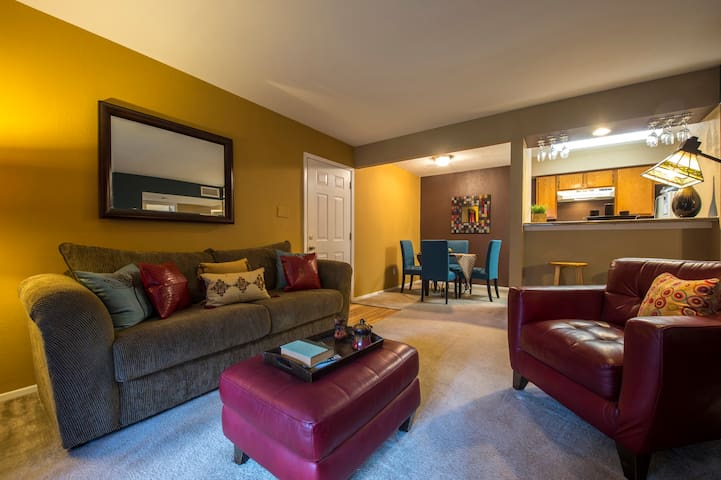 All-inclusive apartment home | 1BR in Baytown