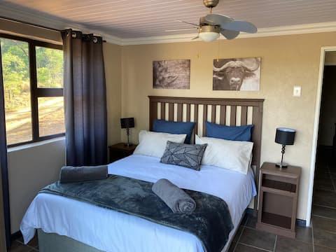 Kloof cabin in the bushveld