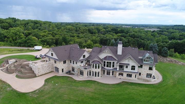 Minnestay* IG Expansive Estate | PRIVATE MANSION | 78 Acres | Indoor Pool