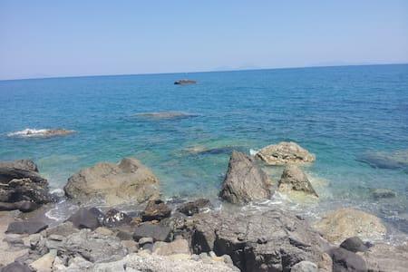 Acasaducasteddu - La stanza del mare - Galati Mamertino