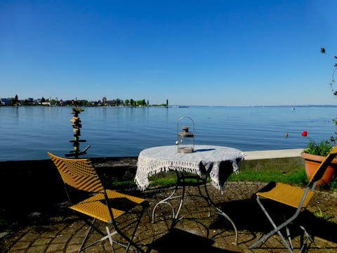 Traumhafte Ferienwohnung mit Sitzplatz am See