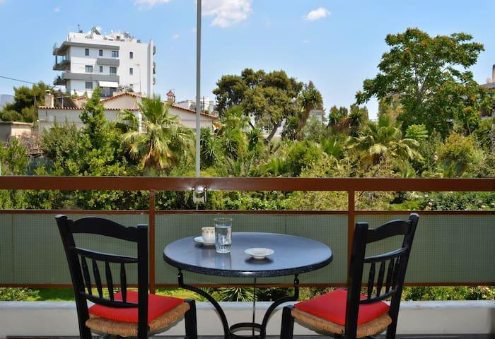 Quiet Garden View Apartment 3' from Bolivar beach