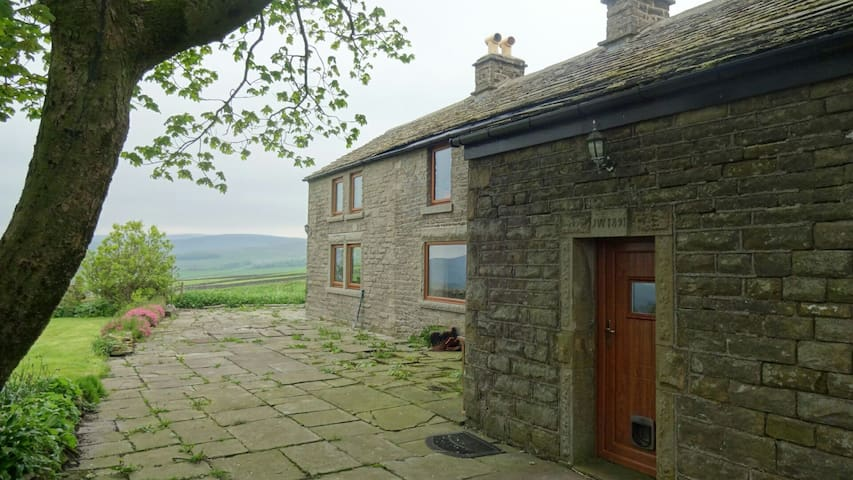 B & B Double - fabulous Peak views! - Chapel-en-le-Frith