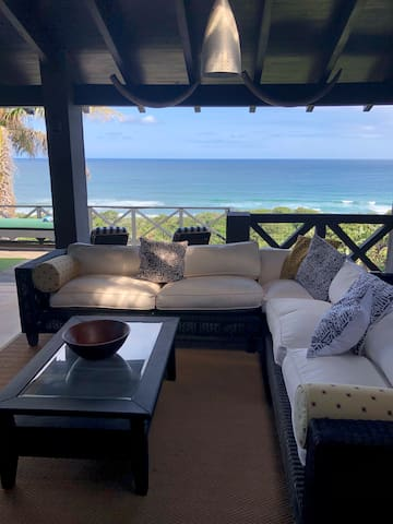 Luxury 4 Bedroom beach Villa with Jacuzzi on deck